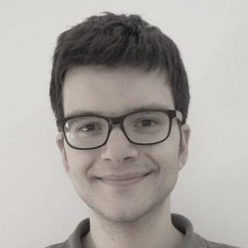 Roberto, 25 años. Traductor
