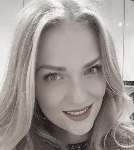 Laura (26 años)