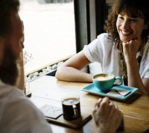 conversacion-relacion-amigos-pareja