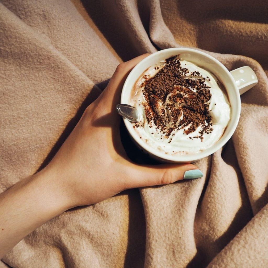 hygge felicidad cafe manta bienestar