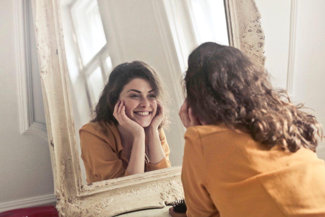 mujer-espejo-autoestima