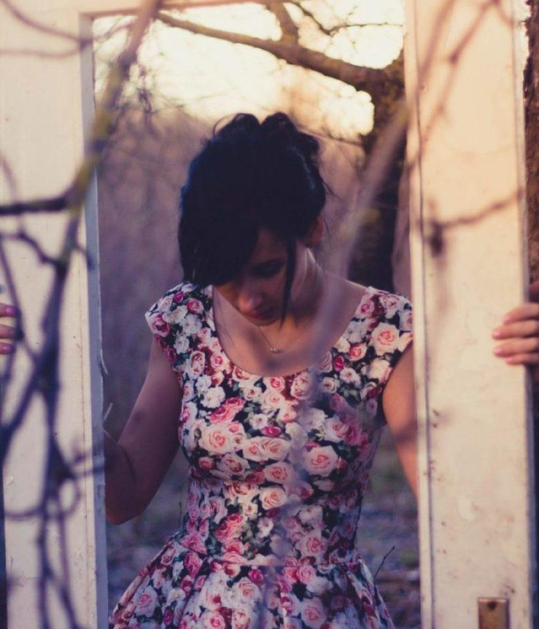mujer-espejo-autoestima-emocion