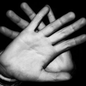 manos-no-limite-asertividad