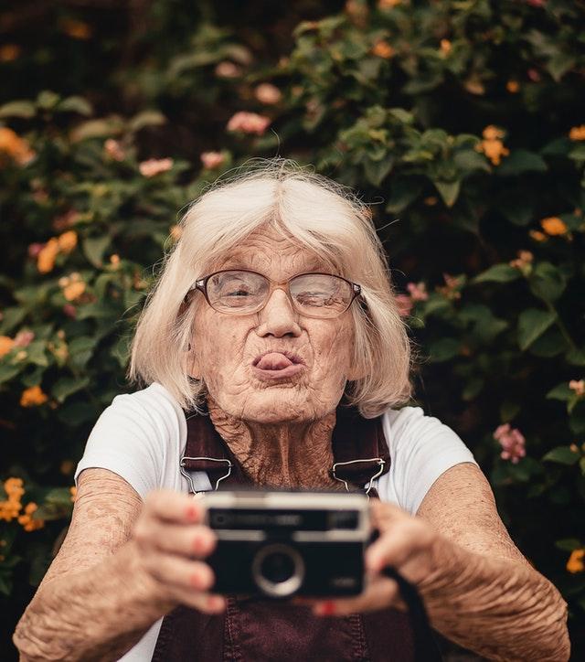 madurez-emocional-mujer-anciana