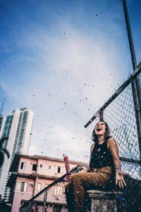 mujer-emocion-felicidad-libertad