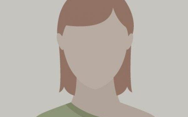 Paula. 27 años. Traductora